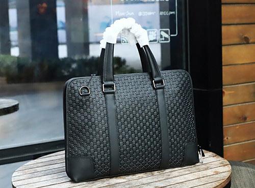 gucci男士手提公文包 实用的牛皮制成经典款式