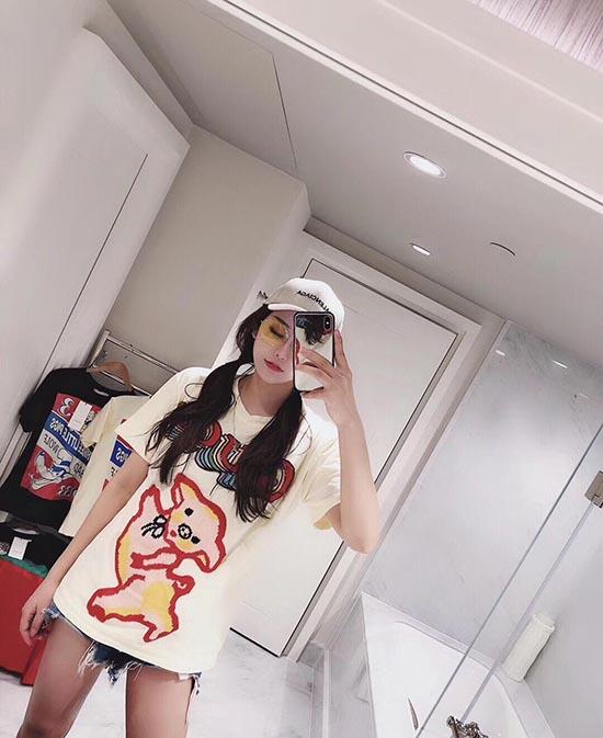 2019针织刺绣跳舞古奇小猪女款T恤