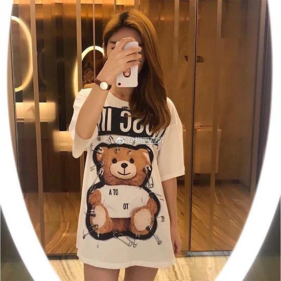 莫斯奇诺女士T恤 小熊T恤浓浓的新年气氛